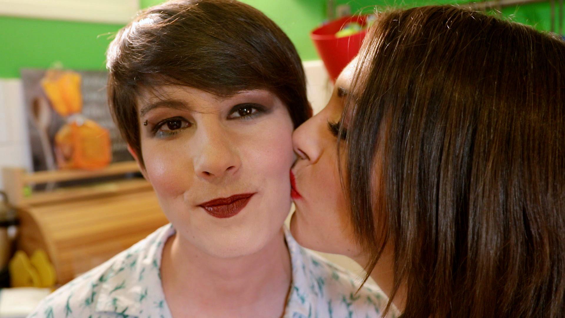 crno-bijela lezbijska ljubav