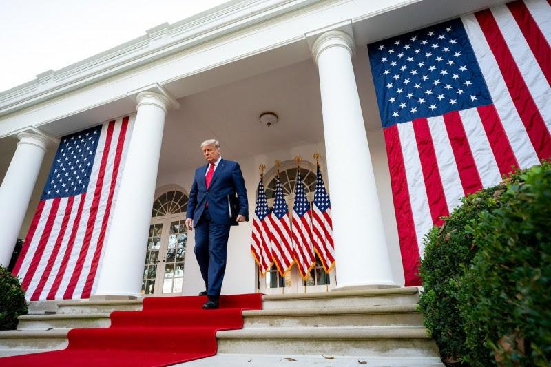 <p>Donald Trump a punto de dar una rueda de prensa en la Casa Blanca, el pasado mes de noviembre.</p>