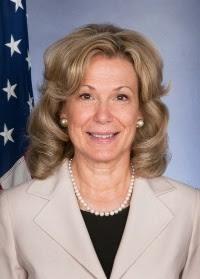 Headshot of Deborah Birx