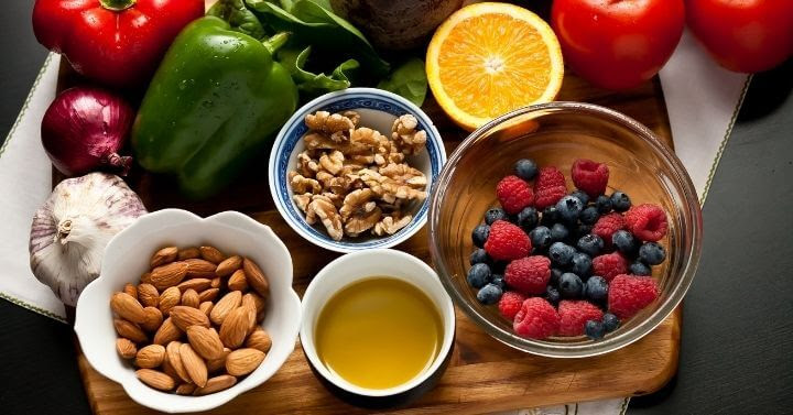 Anti-Inflammatory Diet and Lifestyle Approaches