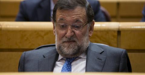 Un gesto del presidente del Gobierno, Mariano Rajoy, durante la sesión de control al Gobierno en el Senado, la primera tras las elecciones del 24-M. REUTERS/Sergio Perez