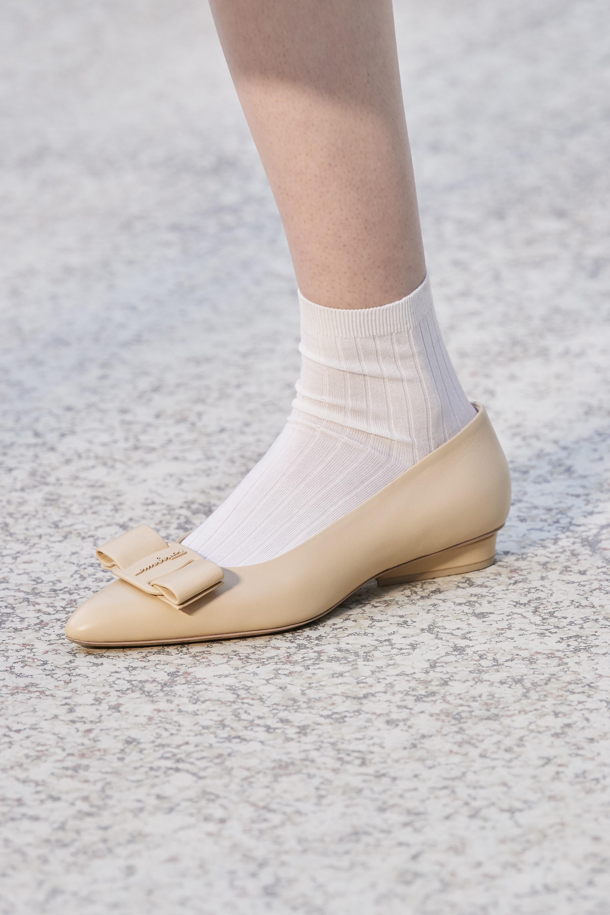 0f9a79ae 5a73 49ae b508 208550a63d44 - Salvatore Ferragamo presenta la campaña del zapato 'VIVA'