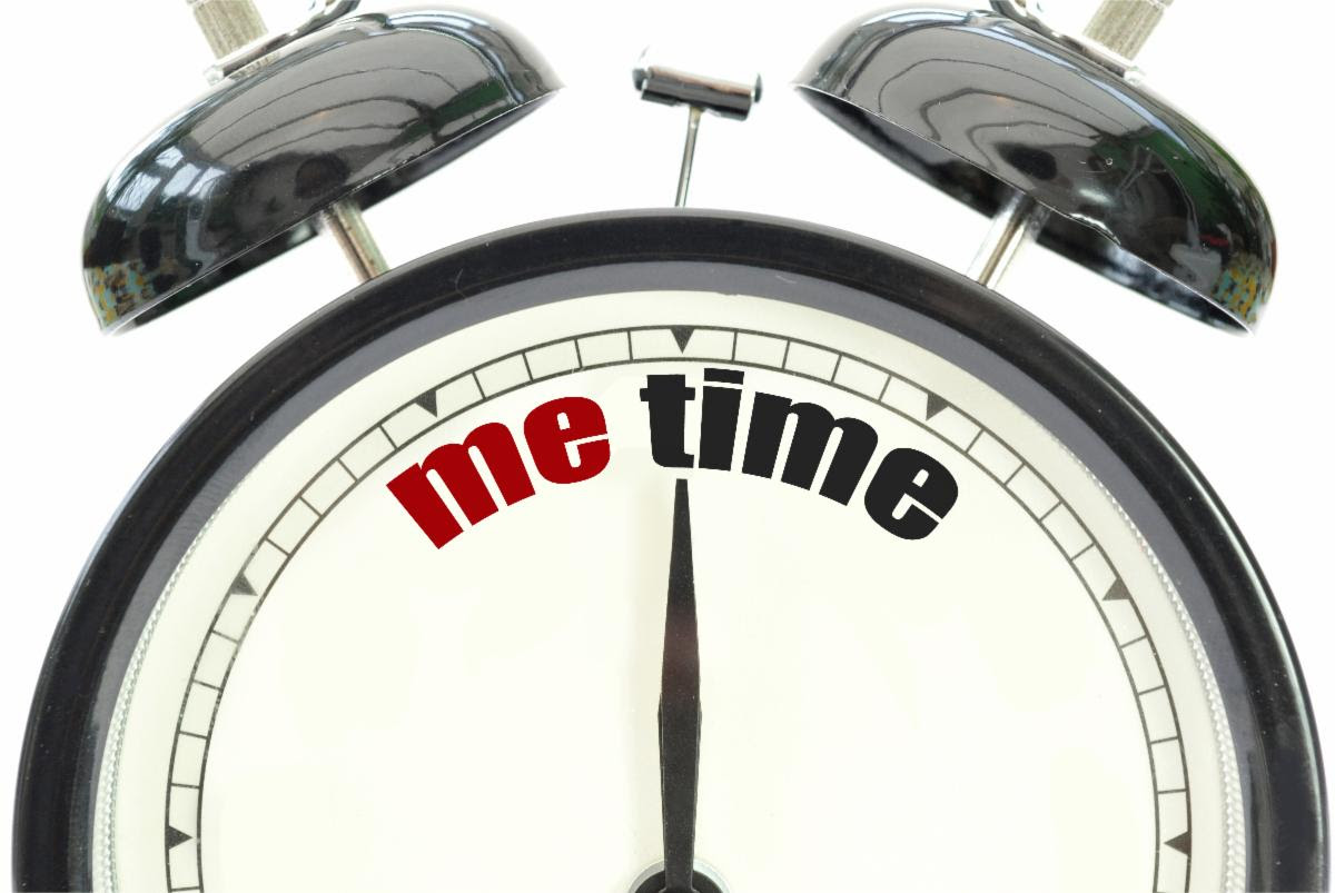 MeTime graphic image with alarm clock setting