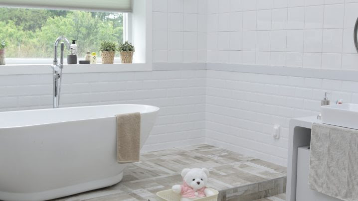 Clever Design Tips To Make A Tiny Bathroom Functional