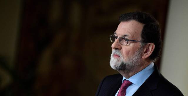 Rajoy accuses Socialists of weakening Spain with no-confidence motion