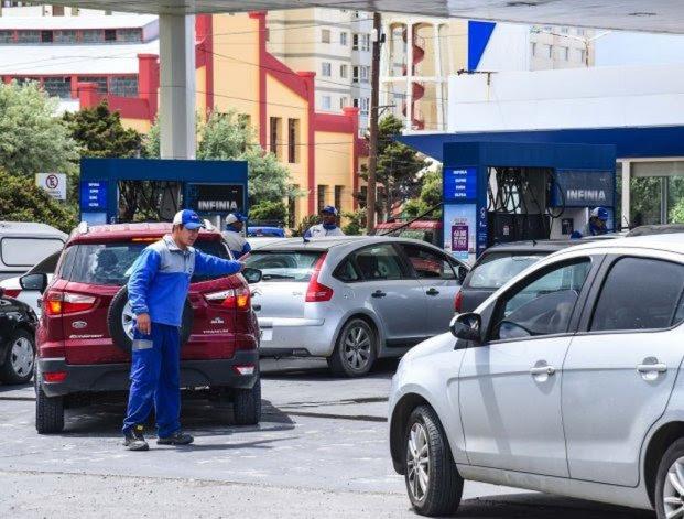 Por la toma en las Plantas de Combustibles no hay suministro en las estaciones de YPF
