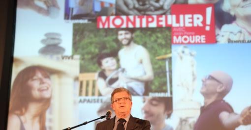"""Jean-Pierre Moure lors du """"meeting militant"""" au lycée Georges Frêche le 31 janvier 2014 (photo : J.-O. T.)"""