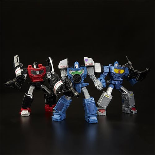 Image of Transformers Generations War for Cybertron: Siege Deluxe Refraktor 3-Pack (G1 Toy Colors)
