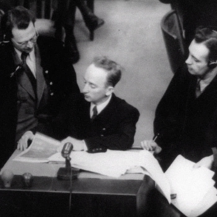 RT25Y8 PROSECUTING EVIL: THE EXTRAORDINARY WORLD OF BEN FERENCZ, Ben Ferencz as chief prosecutor in the Einsatzgruppen trial, Nuremberg, Germany (1947-1948), 2018. © Vertical Entertainment / courtesy Everett Collection