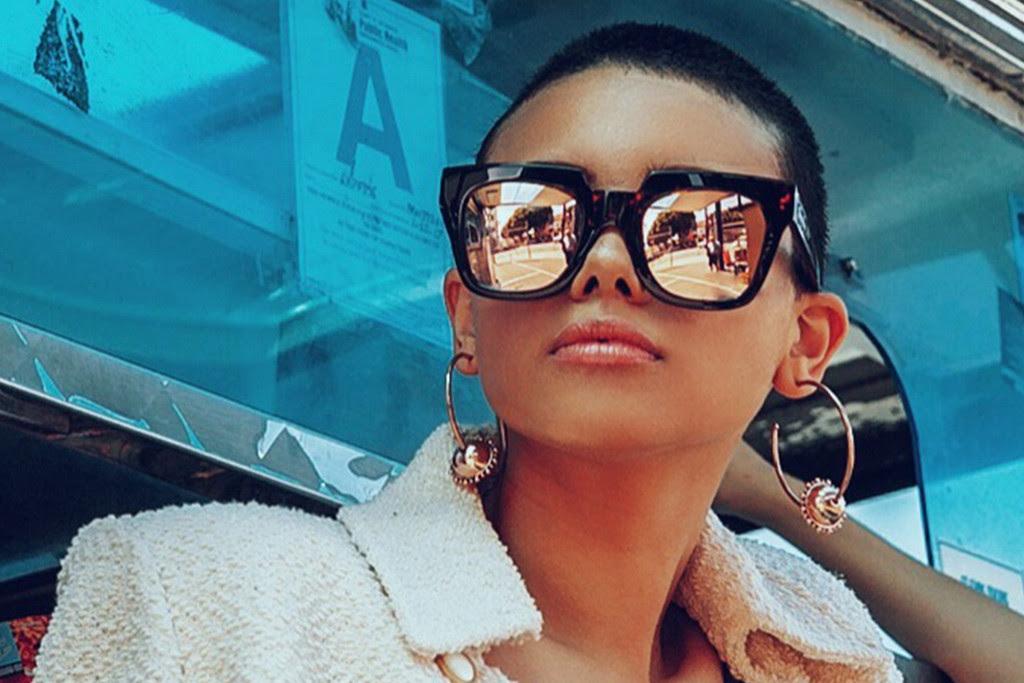 sunglasses-hawkers-row-ROX03-L1_920b2a91-b4b9-44ea-bd5f-9cb342334fd4.jpg