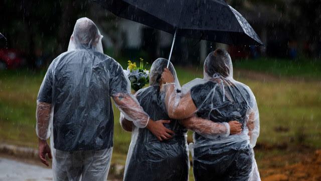 Família perde 8 pessoas para a Covid-19 em Parintins (AM)