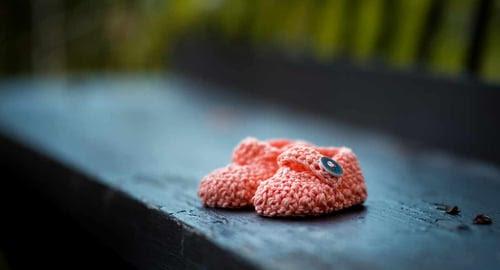 infant-shoes-infant-loss-unsplash