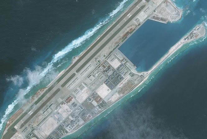 Nhiều nguồn tin nói Trung Quốc đã triển khai tên lửa trên đá Chữ Thập, thuộc quần đảo Trường Sa của Việt Nam (ảnh: CNBC)