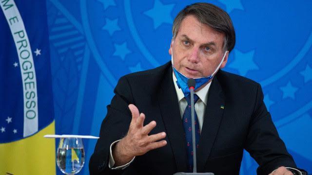 Bolsonaro afirma que é possível dar uma 'mexidinha' na tabela do Imposto de Renda