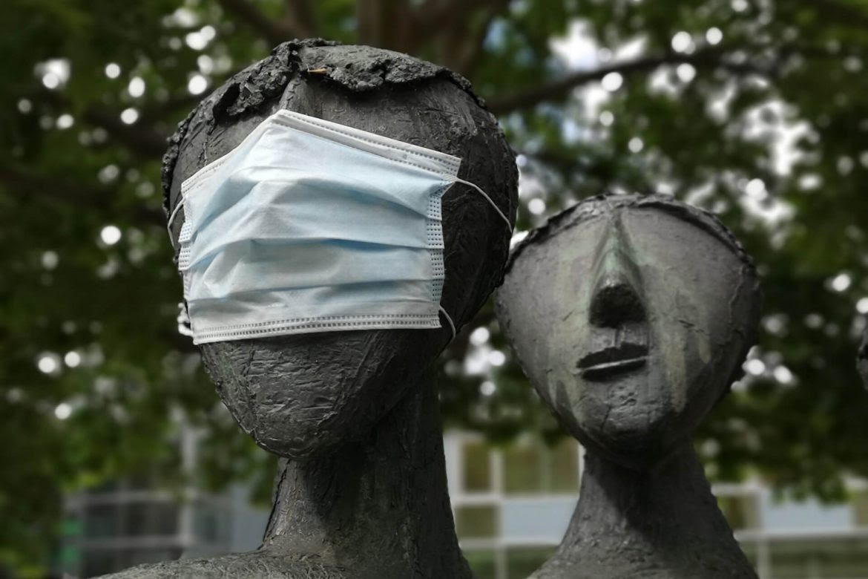 arte-pandemia-2020-individual-colectivo-estatuas-nicolas-pernett-1170x780