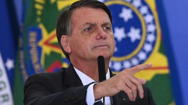 Bolsonaro diz ter feito 'acordo' com Congresso para votar excludente de ilicitude