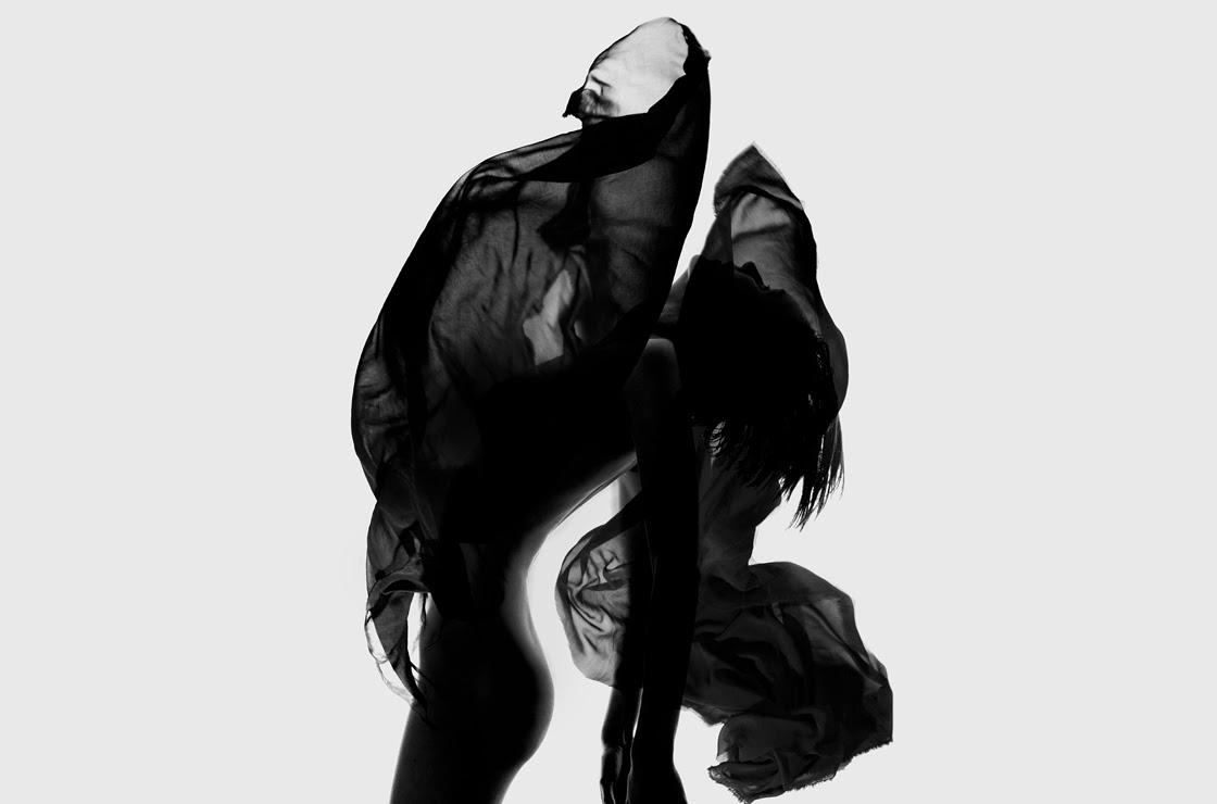 MENOS É MAIS Minimalismo Preto & Branco |  Navegue pelo Catálogo Completo