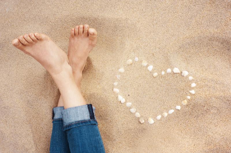 female_feet.jpg