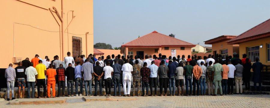 Nigerians Slam EFCC Over Arrest of Suspected Yahoo Boys At Popular Ibadan Nightclub