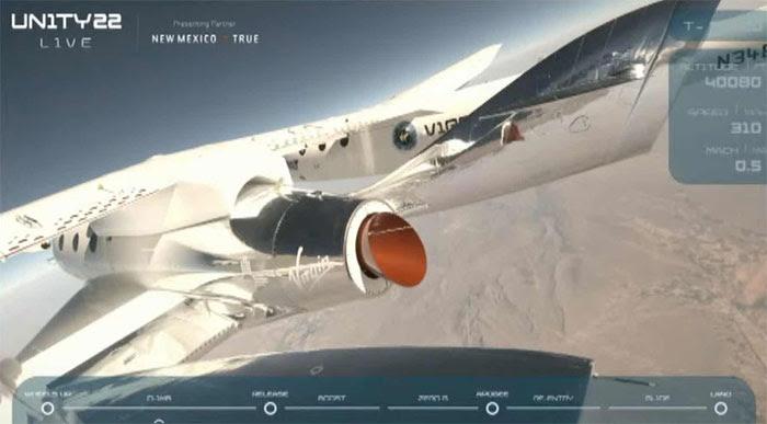 Tính đến 22h (giờ Việt Nam), máy bay chở tàu vũ trụ đã đạt độ cao hơn 40.000 ft (12,19 km).