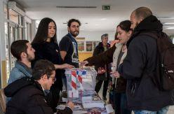 La Constitución solo convence a uno de cada ocho catalanes que no pudieron votarla