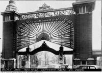 Historic photo from Monday, November 16, 1942 - Dufferin Gates with fan, Exhibition Park in CNE