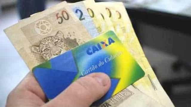 Governo vai antecipar 13º de aposentados e abono salarial