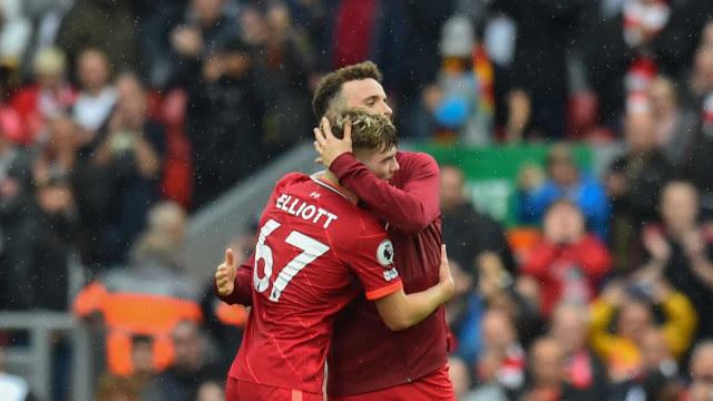 Com quase 53 mil torcedores em Anfield, Liverpool faz 2 a 0 e se vinga do Burnley