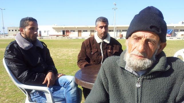 'Nos ordenaron que nos desnudáramos, un soldado israelí nos apuntó y quiso disparar'