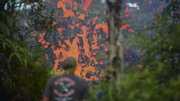 Hawaii : spectaculaire éruption fissurale du volcan Kilauea