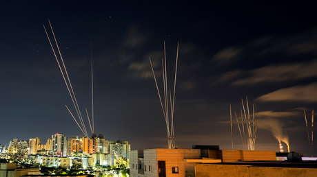 VIDEOS: Hamás lanza una nueva andanada de cohetes desde Gaza hacia el centro y sur de Israel