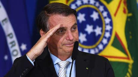 """Bolsonaro llama """"idiotas"""" a quienes piden al Gobierno que compre vacunas contra el coronavirus"""