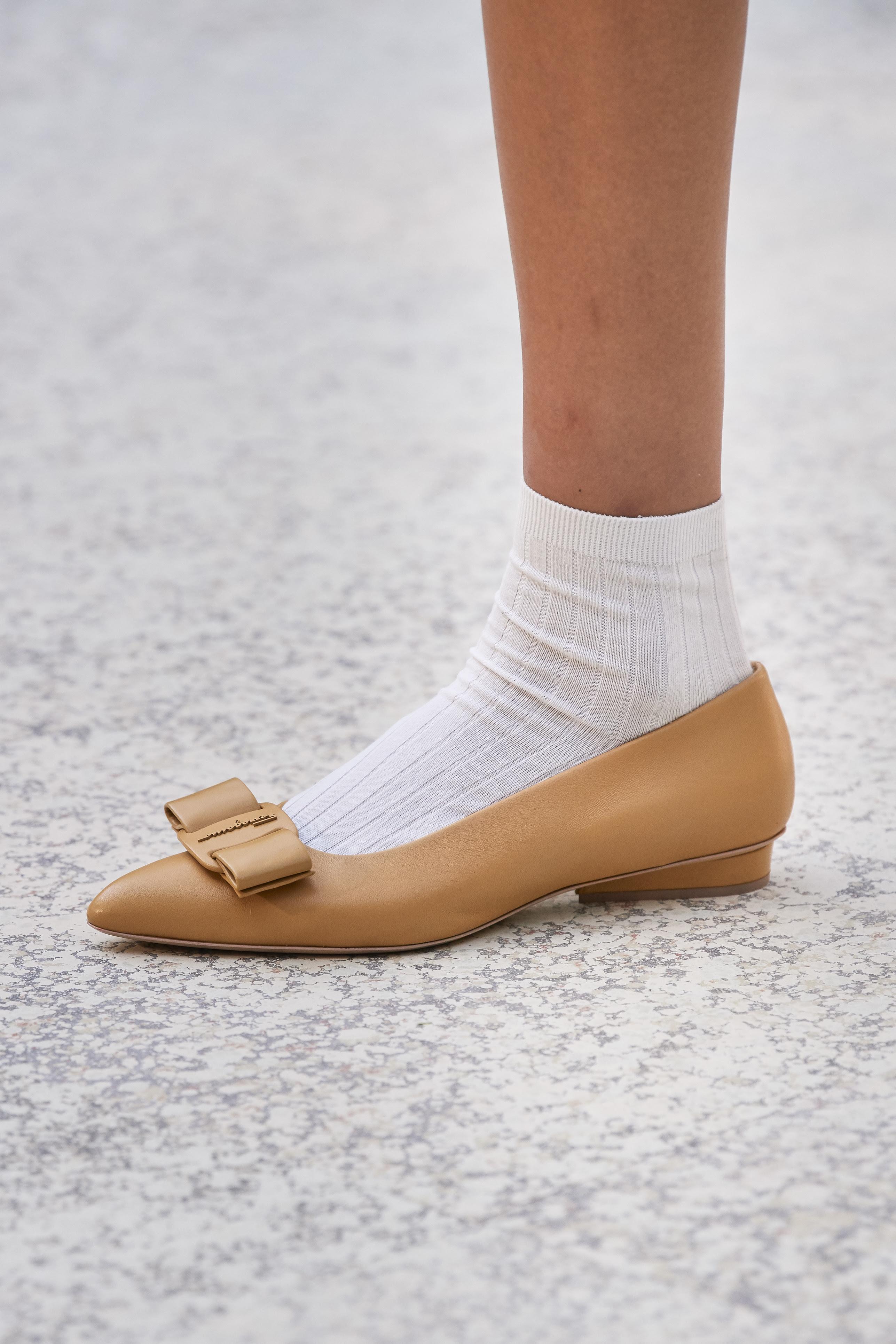 0eb45ac9 c17a 4b6d a976 3622bc2f9c15 - Salvatore Ferragamo presenta la campaña del zapato 'VIVA'