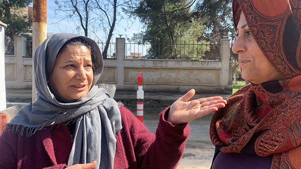 Phụ nữ nói của quân đội Thổ Nhĩ Kỳ và proxy của họ, Quân đội Syria miễn phí, tấn công người Kurd và người Kitô hữu trong Sari Kani / Ras Al Ayn
