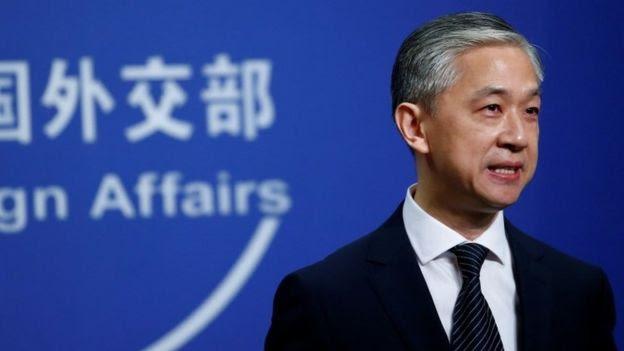 O novo porta-voz do Ministério das Relações Exteriores da China, Wang Wenbin, fala durante uma entrevista coletiva em Pequim, China, em 17 de julho de 2020.