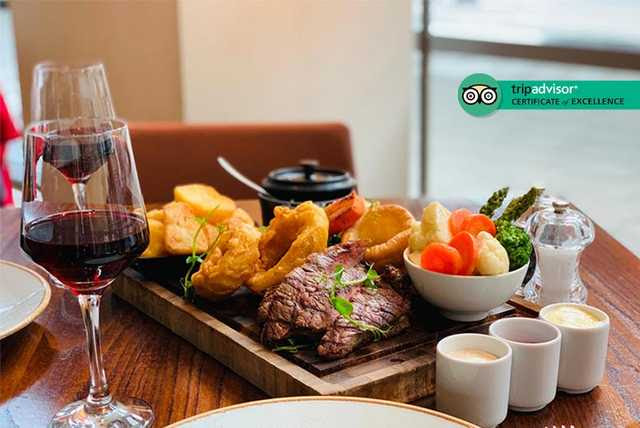 Roast Board Dining & Bottle of Wine for 2 @ The Hilton Canary Wharf
