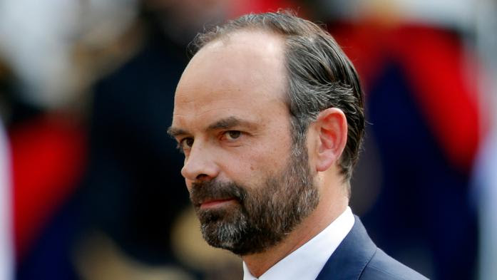 La nomination d'Edouard Philippe à Matignon sème le trouble, à gauche comme à droite