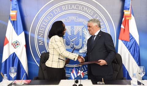 RD y Cuba formalizan diálogo con miras a negociar acuerdo de libre comercio