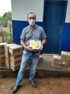 Entrega dos livros em aldeias indígenas Karajá
