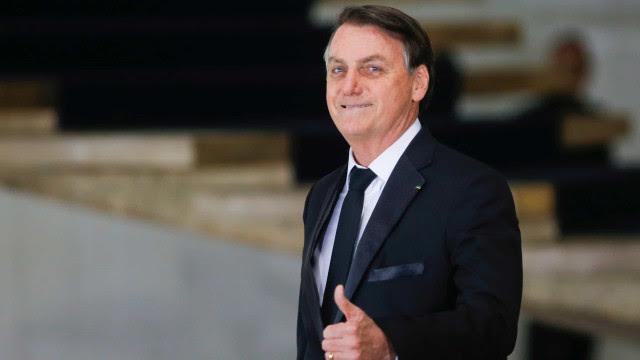 À Record TV, Bolsonaro diz não ver nada demais em citações sobre AI-5