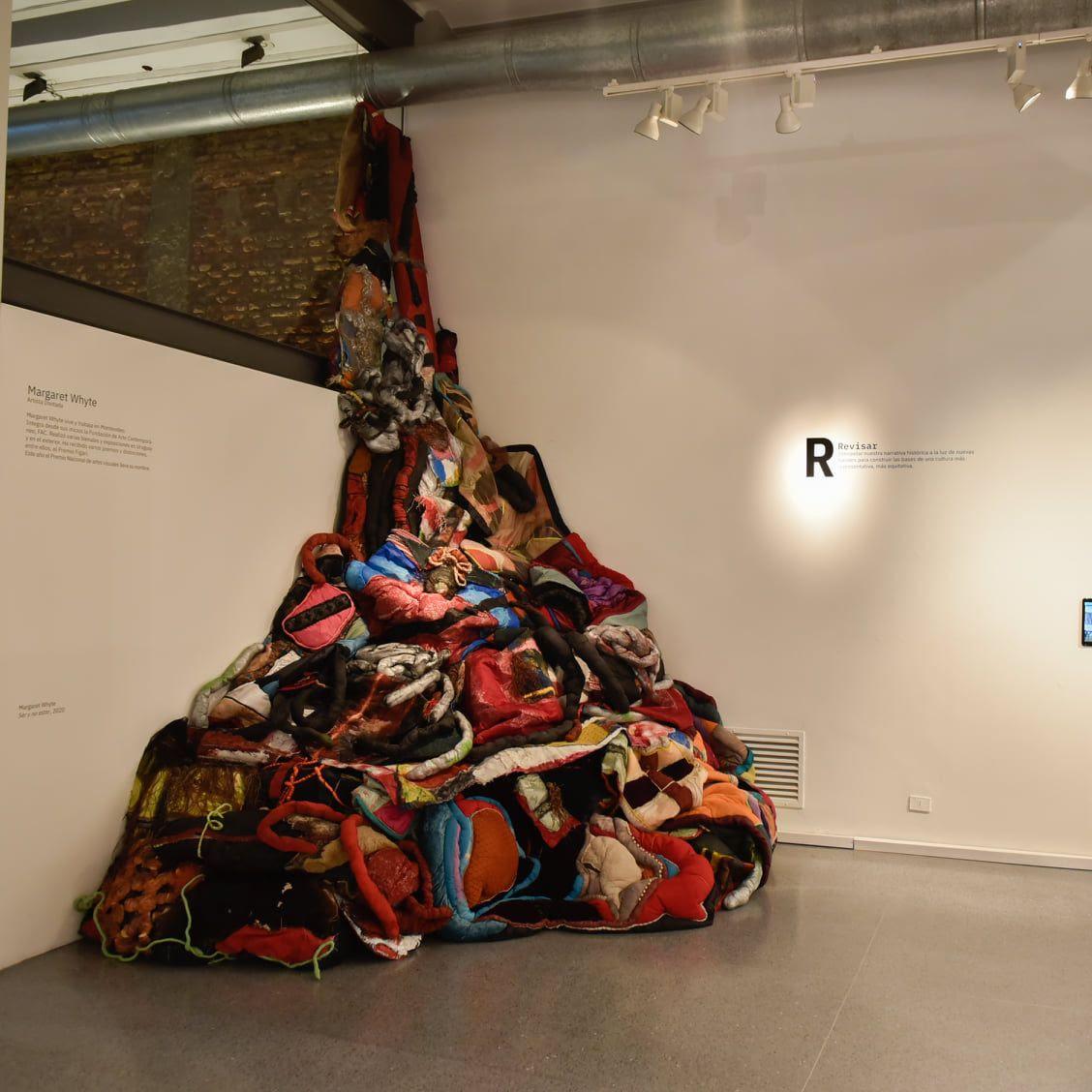 Margaret Whytees la primera artista invitada a participar del HUB en el marco de la exposiciónR.I.P