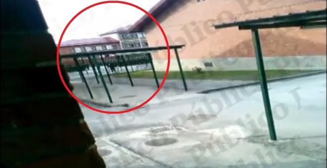 Captura el vídeo en la que se aprecia al Regimiento de Cazadores de Montaña 'América' 66 en formación en el patio de su acuartelamiento. PÚBLICO
