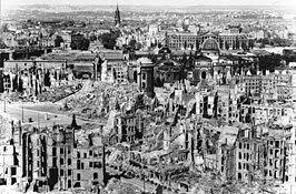 Het centrum van Dresden na de luchtaanval