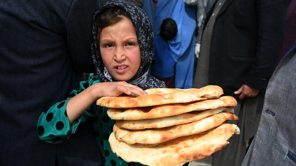Coronavirus: Seven million Afghan children risk hunger - report