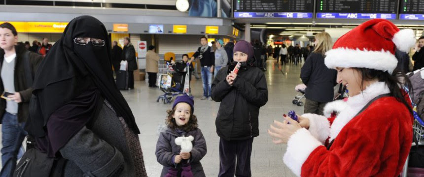 Frau mit islamischer Vollverschleierung: Ralf Jäger gegen Burka-Verbot Foto: picture alliance/dpa