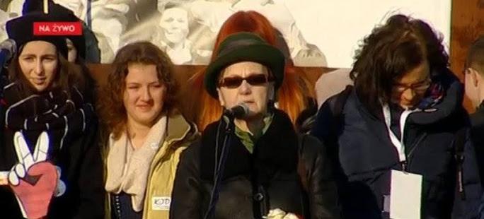 Żona Wałęsy na marszu KOD: Kaczyński jest małym człowieczkiem