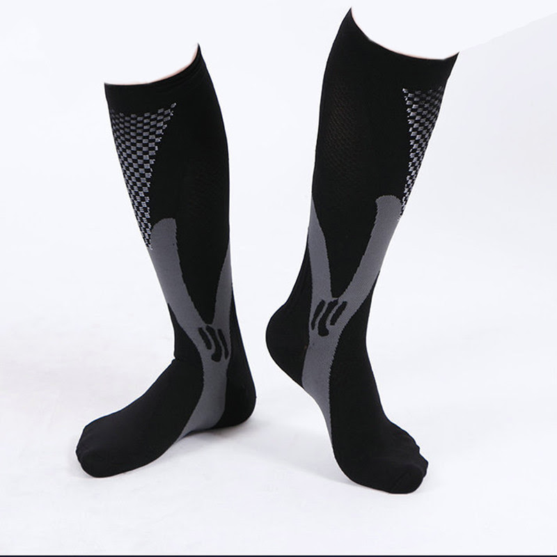 2018 trending products director factory high quality customized logo spandex running compression cycling socks for men and women