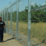 Hungarian-Serbian_border_barrier_2