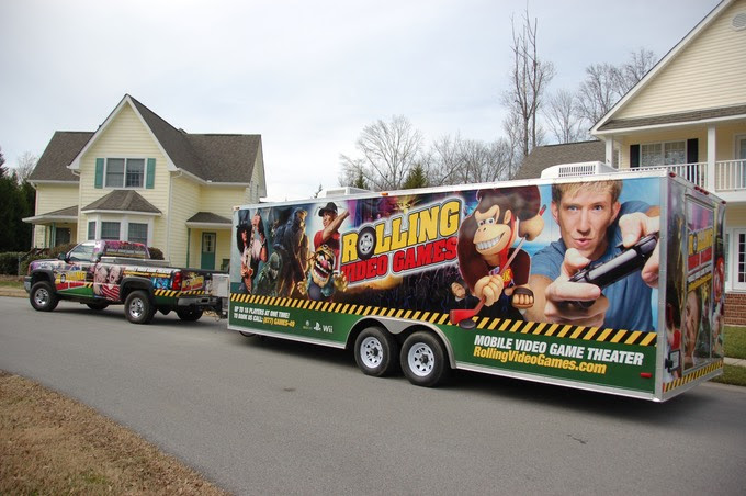 AWESOME VIDEO GAME BUS!