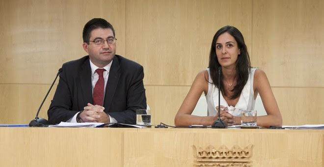 La portavoz del gobierno municipal, Rita Maestre, y el delegado del Área de Economía y Hacienda, Carlos Sánchez Mato.